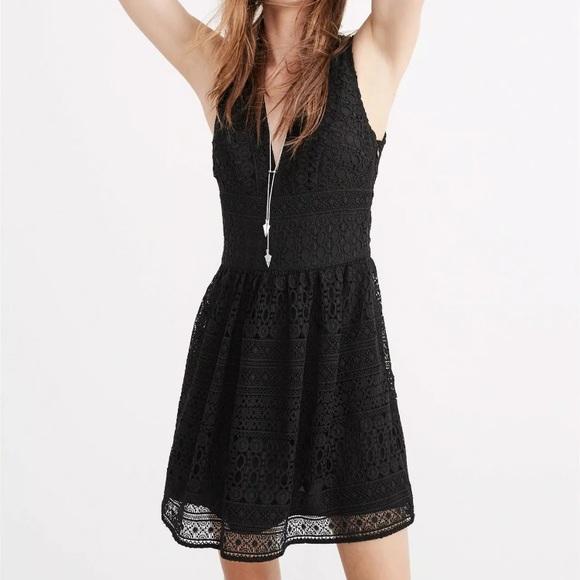 Abercrombie & Fitch Dresses & Skirts - 🆕NWT A&F Black lace Crochet V-neck mini dress